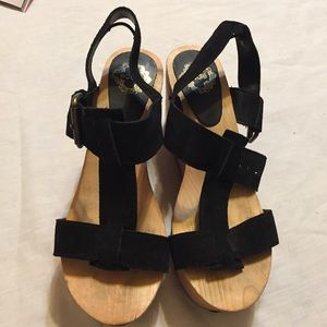 Ecote Platform Clogs by Urban Outfitters.  Size 7
